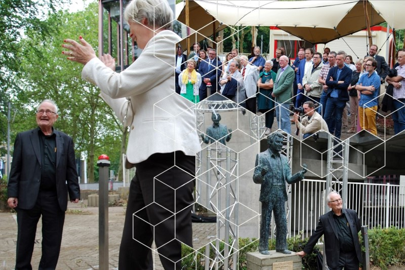 "Apeldoorn honors architect Hertzberger: ""The statue is not for me, but for my buildings"""